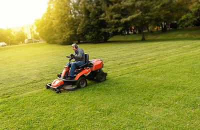 Services That Many Lawn Maintenance Companies Offer