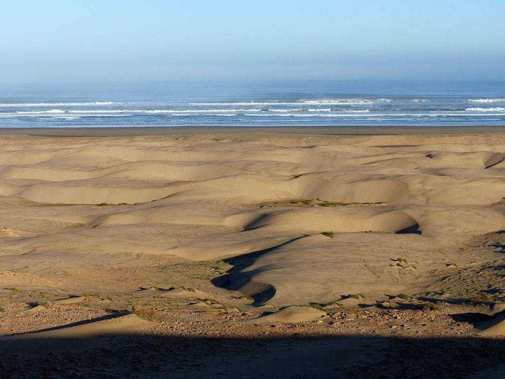 La plage est belle mais la mer est loin !
