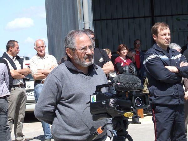 La structure Aider 17 a fêté les 20 ans de ses services Remplacement et Maintenance de main-d'oeuvre agricole chez Bernard Bolleau, éleveur à Mazeray, mercredi 16 mai 2012