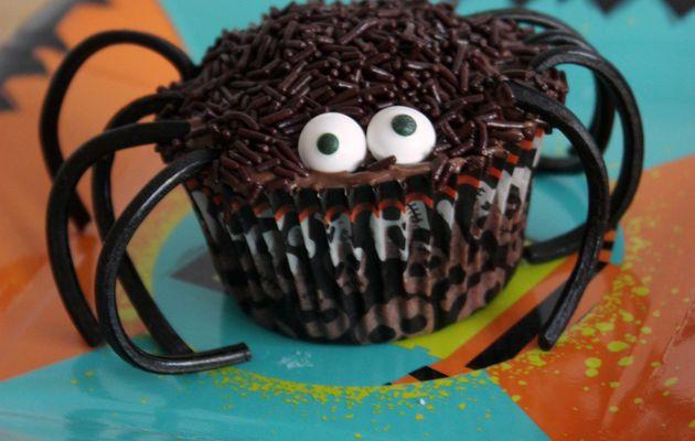 Halloween #13 - Spider cupcake