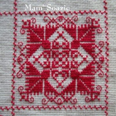 SAL : Plaid Broderie Rouge... Grille 42/M5