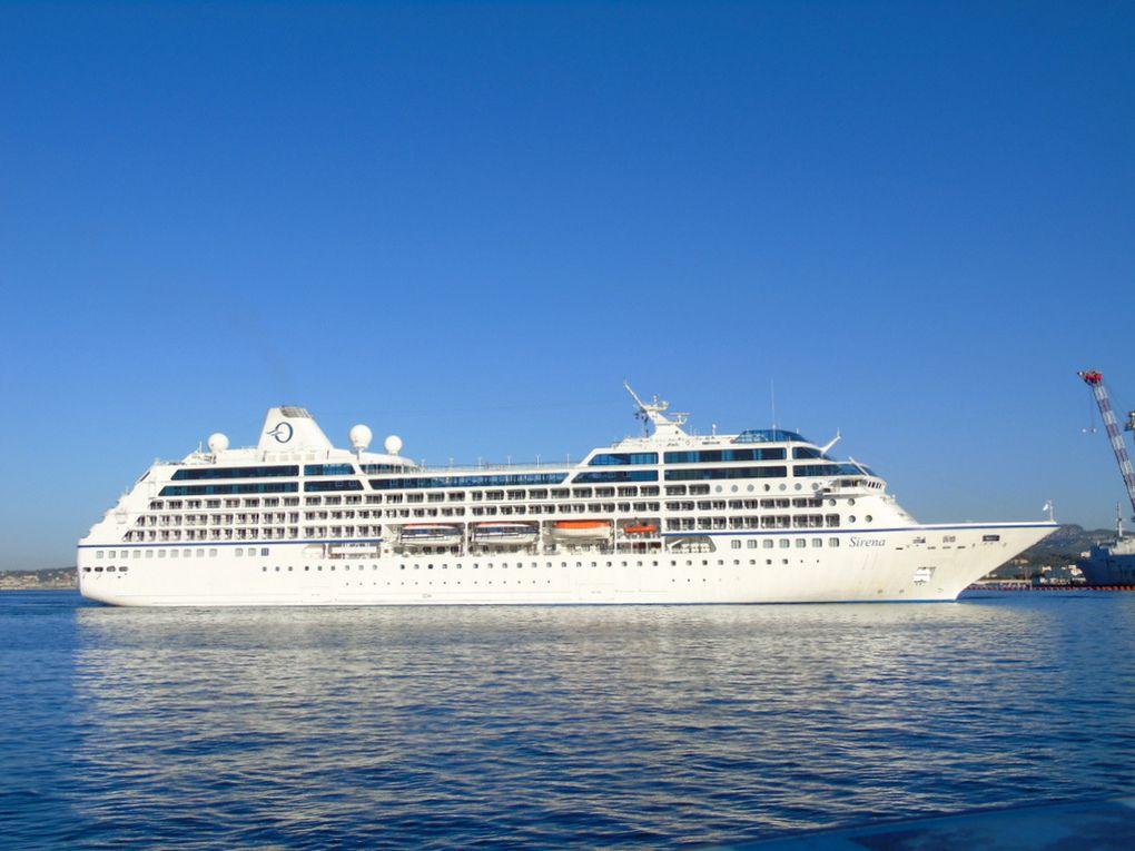 SIRENA , arrivant au port de Toulon le 12 juillet 2017