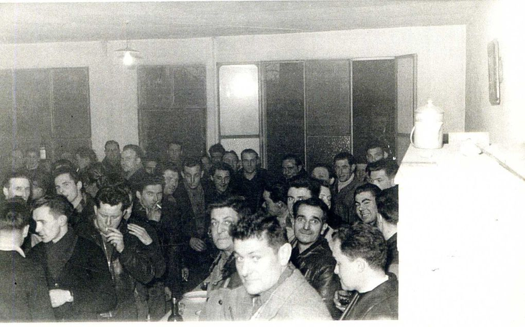 Album - la ville de Noyon (Oise), 1954 l'usine Necto