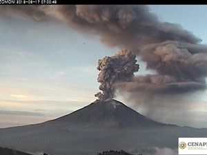 Popocatépetl - explosions of 17.06.2019 / at 6h44 and 7h - photos Cenapred - one click to enlarge