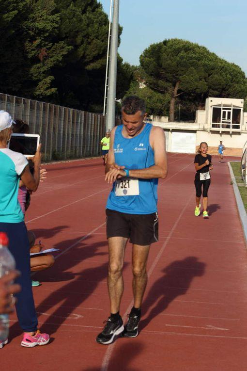 1ère série du 5000 m par François.