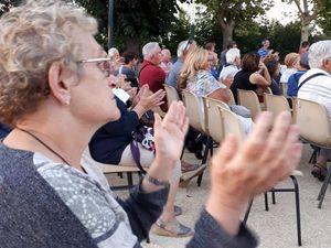 Samedi soir 22 septembre 2018 l'association l'Audacieuse Notre Dame du Mas en partenariat avec le conseil de quartier ont organisé un concert pour fêter l'automne. Très belle soirée rythmée par les chants de Candice et Jean-Paul accompagnés de Miléna au violon et ceux des Polys'ons dirigés par Sébastien.