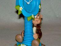 Horloge avec p'tite elfe en porcelaine froide