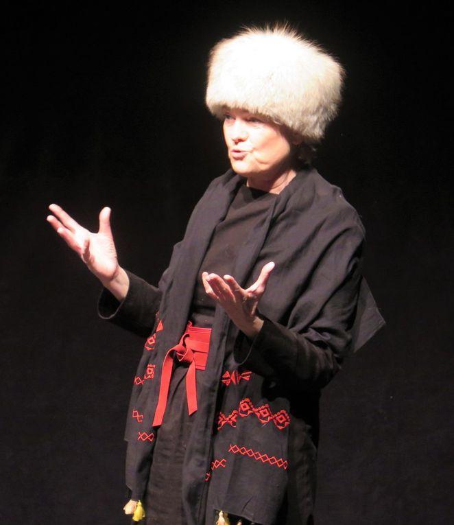 A l'Atelier à Spectacle une artiste est née ... Martine PITOU.