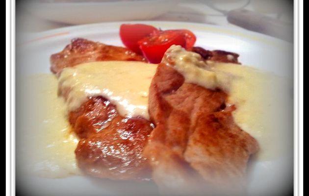 Solomillo a la plancha con salsa IDIAZABAL con tomates cherry