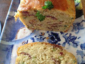 Cake à la viandes des Grisons, noisettes et persil