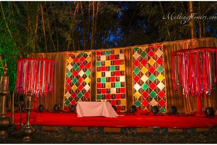 Choose Theme Wedding Decorations To Glam Up Your Wedding Venue