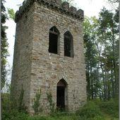 Insolite :Une tour perdue dans une forêt à St Jean D'Heurs - L'Auvergne Vue par Papou Poustache