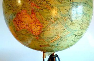 Globe Terrestre époque fin XIXe, 1/40.000.000 / dressé par J. Forest géographe.