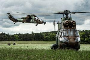 Hélicoptères de l'ALAT - Copyright : ECPAD.