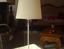 Un pied de lampe en vieux livres