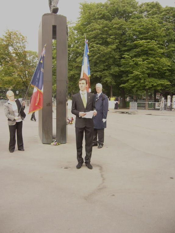 Dépôt de gerbe par l'UGF au pied de la statue du général de Gaulle sur les Champs Elysées et commémoration en Mairie du 1er ardt de Paris ce 18 Juin 2010.