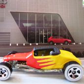 FORD TRACK-T HOT WHEELS 1/64 - car-collector.net