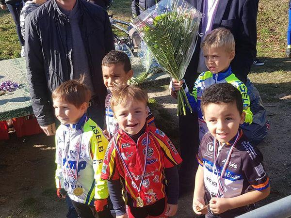 Victoire de Mattis Noel (Dreux CC) au cyclo-cross d'Ecouen (95)