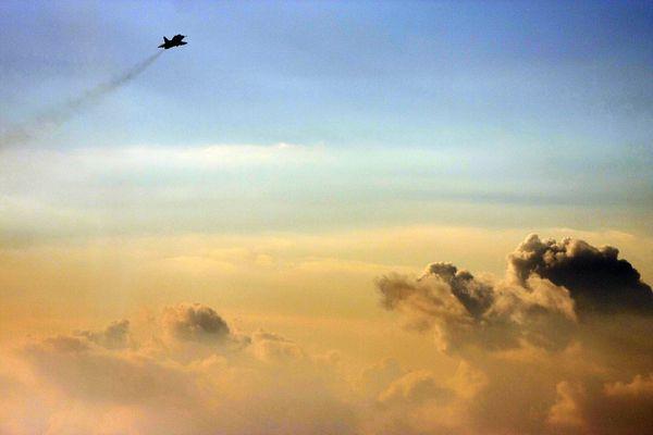 Photo : (c) IAF - Un Skyhawk en mission d'entraînement dans le ciel israélien.