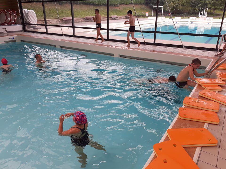 Les CM2 à la piscine de Réguiny