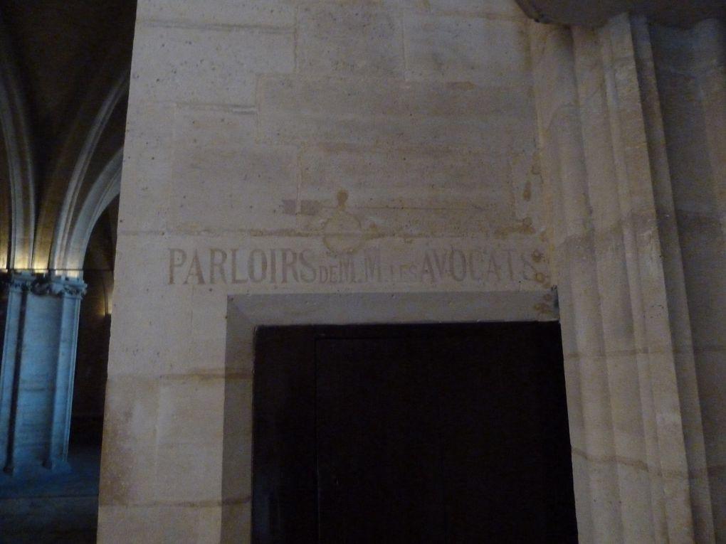 La Conciergerie (Exposition Saint-Louis), la Sainte-Chapelle et le Palais de Justice de Paris.