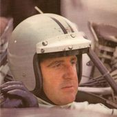 CARTE POSTALE PORTRAIT DENIS HULME PILOTE F1 1967-1968 - car-collector.net