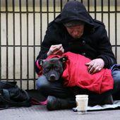 """FRANCE : Désastre social de la réforme du chômage : """"On n'aura plus rien"""" - MOINS de BIENS PLUS de LIENS"""
