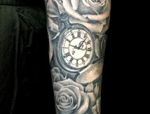 Tatouage rose montre