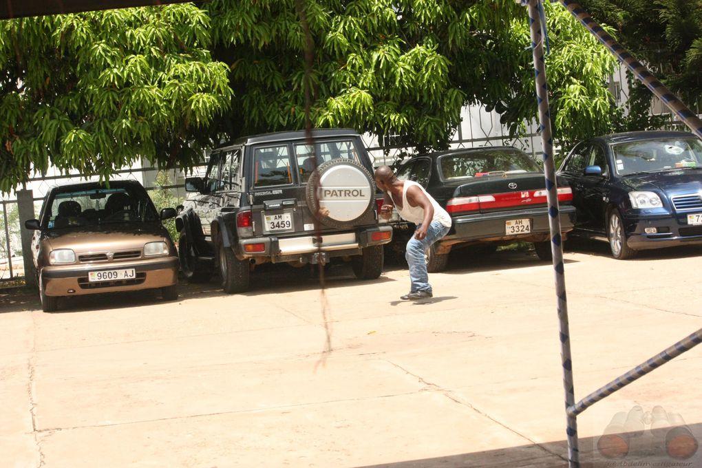 La Société ALLIANZ et son parc auto détruits et pillés par les manifestants du CST