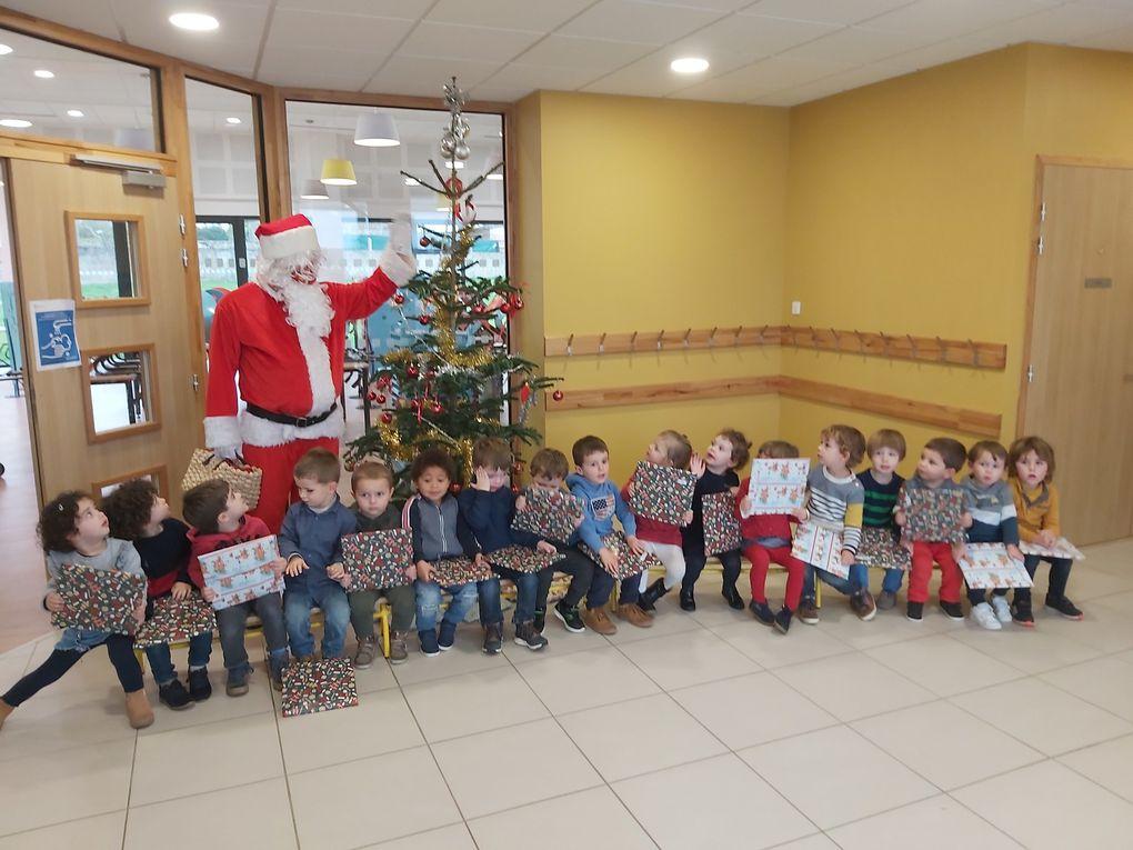 Les élèves de maternelle ont reçu la visite  du père Noël