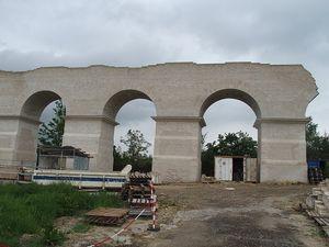 Caissons, arches de Jouy.    Imposte, aspect ruiniforme arche d'Ars.