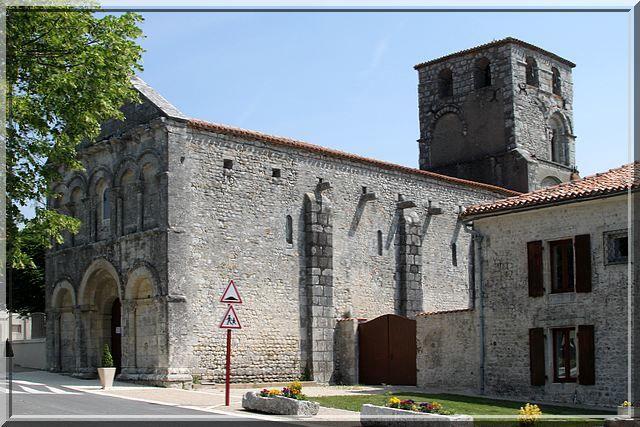 Diaporama église fortifiée de Bécheresse