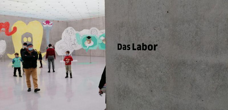 SEASONAL GREETINGS: Ein Nachmittag im Zeichen der Kunst! Wiedereröffnung im Kunsthaus Bregenz