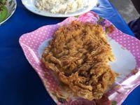 Des omelettes au moules, au riz et porc, aux légumes