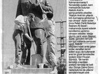 """Photos du haut: préparatifs pour les fêtes nationales (Hürriyet, 21 avril 1996; Radikal, 29 octobre 1997). Photos du bas : inauguration d'un buste à la """"cité de la presse (Milliyet, 17 décembre 1997): d'une statue dans un centre d'affaires à Ankara, par le président Demirel qui affirme: """"Le nom d'Atatük convient pour n'importe quel endroit"""" (Cumhuriyet, 5 octobre 1997); à droite, nettoyage d'une statue à l'initiative des scouts de Kahramanmaras, à qui le maire a offert """"tout ce qu'il fallait comme shampooing"""" (Sabah, 12 juin 1996). Cliquer pour agrandir"""
