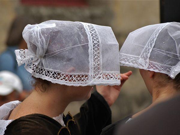 Des coiffes de quels pays de Bretagne ...