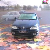 RENAULT MEGANE CLASSIC BLEU METHYL 1/43 VITESSE - car-collector