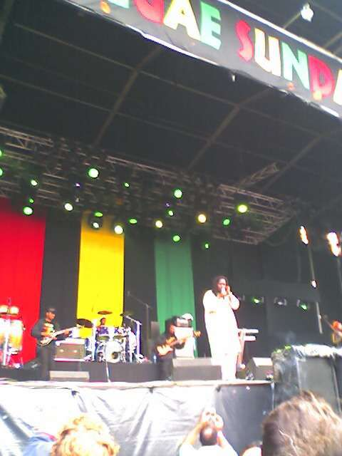 """Voici mes <span style=""""font-style: italic; font-weight: bold;"""">photos</span> du festival <span style=""""font-weight: bold;"""">reggae sundance 2005</span> @ <span style=""""font-weight: bold;"""">Eindhoven</span>"""