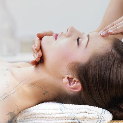 Get All Possible Healthcare and Skin Treatments at Aesthetic Clinics in Singapore