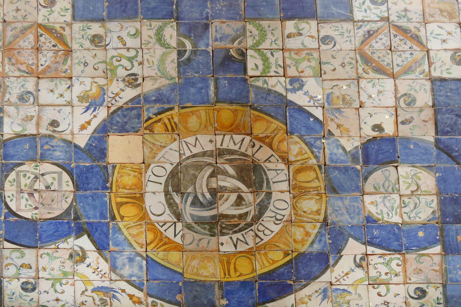 Pavement (Masséot Abaquesne)  du château d'Écouen. Photographie lavieb-aile.