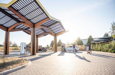 Innovation high-Tech : Fastned débarque dans l'Hexagone avec des recharges rapides pour autoroute