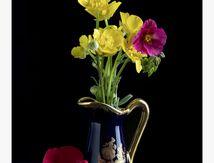 vase: bouton d'or ,potentille et cognassier du japon _93