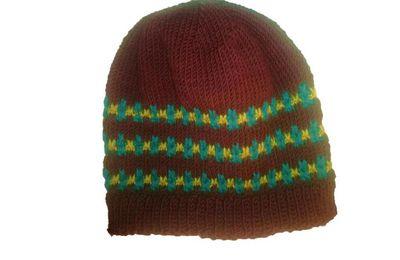 Tricoter un bonnet enfant à lignes brisées imbriquées (2/5 ans)