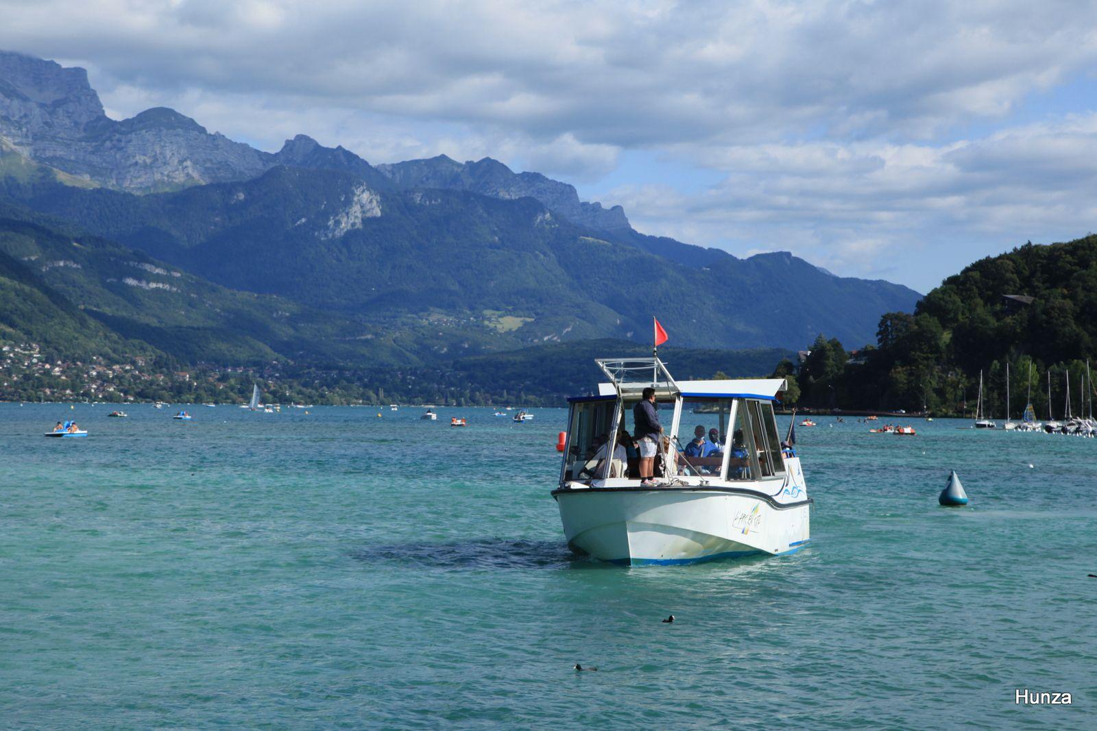 Lac d'Annecy, le bateau Arc en Ciel