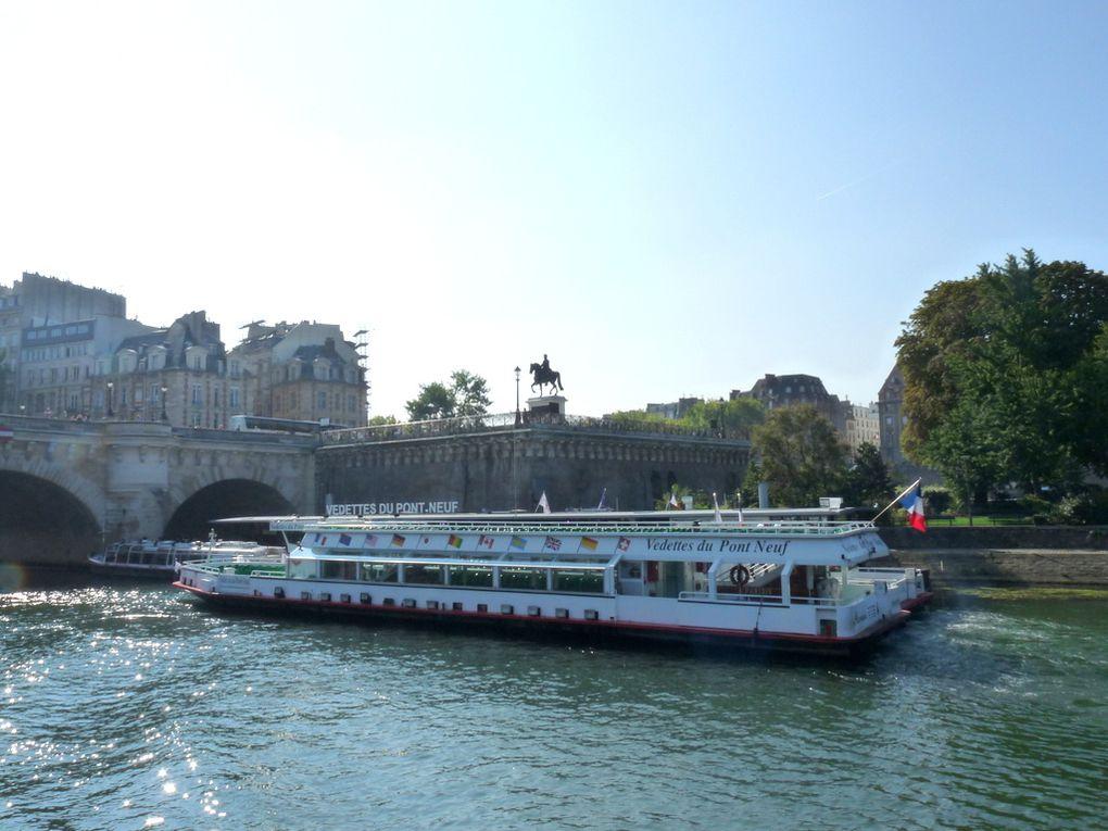 PARISIS ,  sur la Seine à Paris