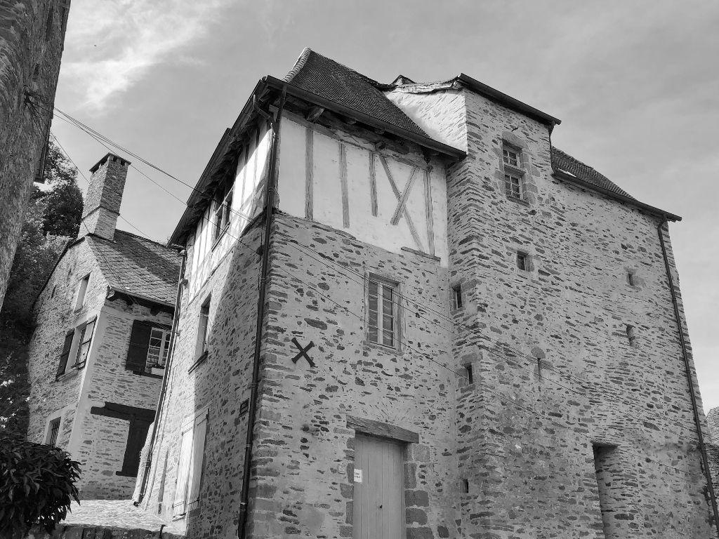Ségur le château black & white