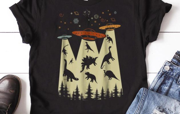 intage Dinosaur Alien Abduction Guy tee