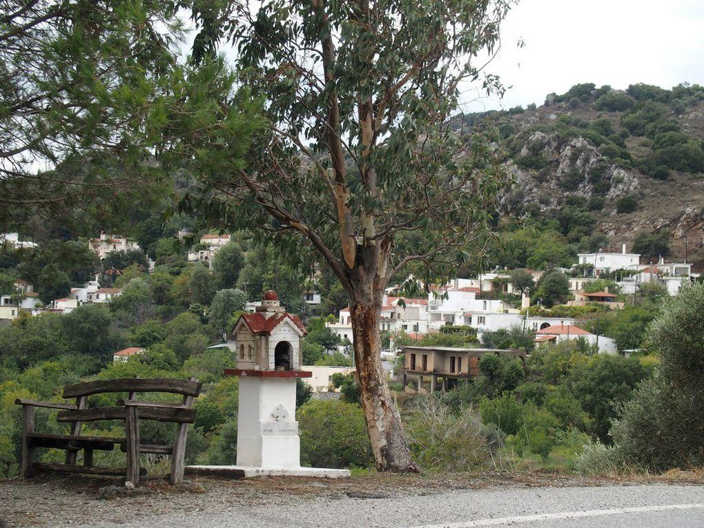 vues de la vallée d'Amari ...des oliviers, il faut aussi passer dessous ...et traverser les villages !!
