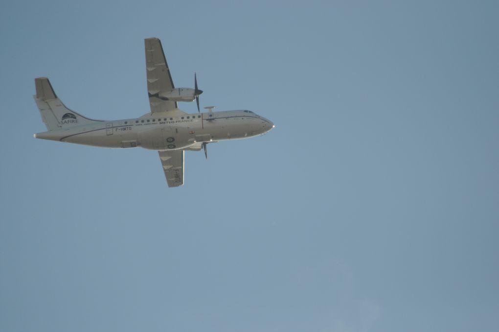 """Les avions Safire sont spécialisés dans les prélèvements d'air : leur devise : """"L'atmosphère est notre laboratoire"""""""