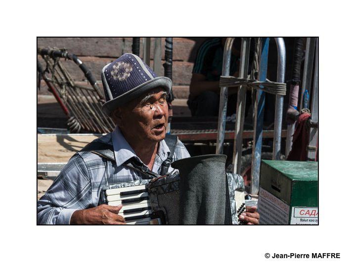 Bienvenue dans les marchés de Bichkek, Karakol et Naryn.